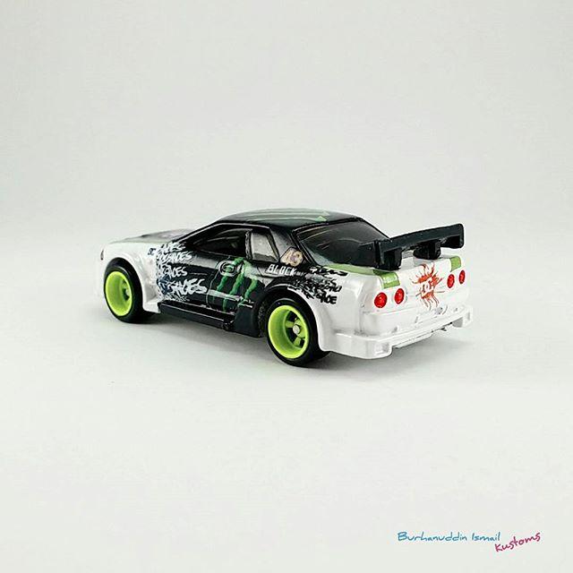 Monster Energy R32 Hotwheels custom by B Ismail Kustoms