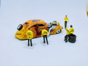 Moon Eyes Race Team 1:64 scale figurines