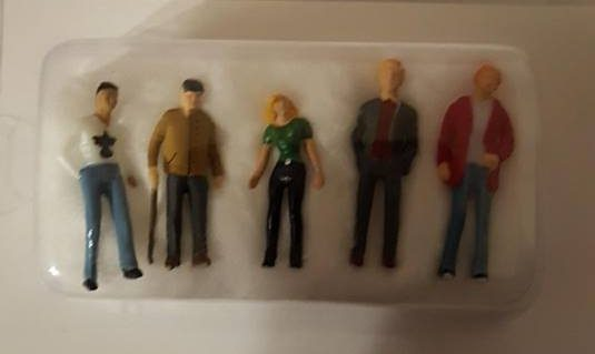diorama people and figurine sets come packaged neatly but are not supplied with a base